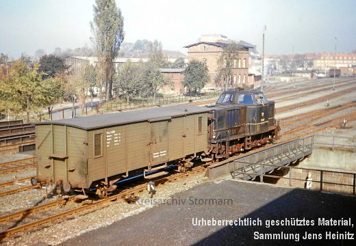 EBOE1375 Bf Oldesloe V3.022 mit Packwagen Pw3.103 1966